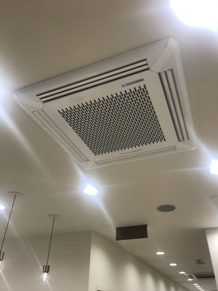 天井埋め込み型の空気清浄機
